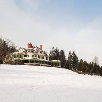 Watkins Glen B&B - Exterior during winter