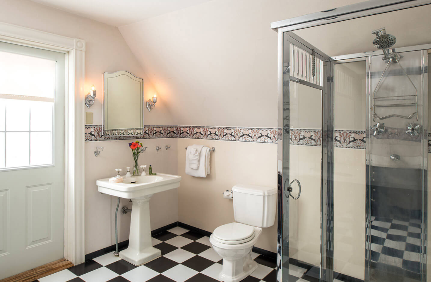 Bed and Breakfast in the Finger Lakes - Room 10 bathroom