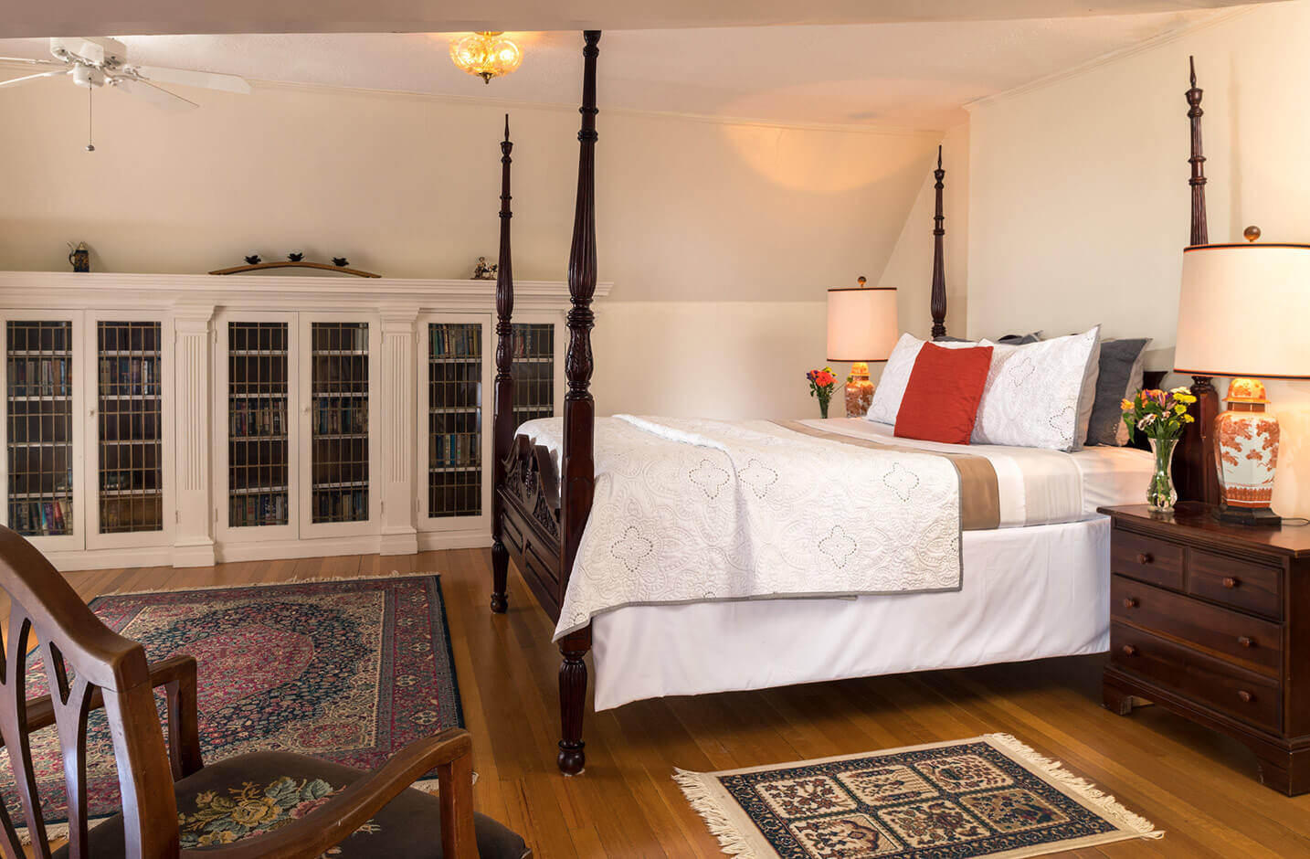 Bed and Breakfast in the Finger Lakes - Room 10 bed
