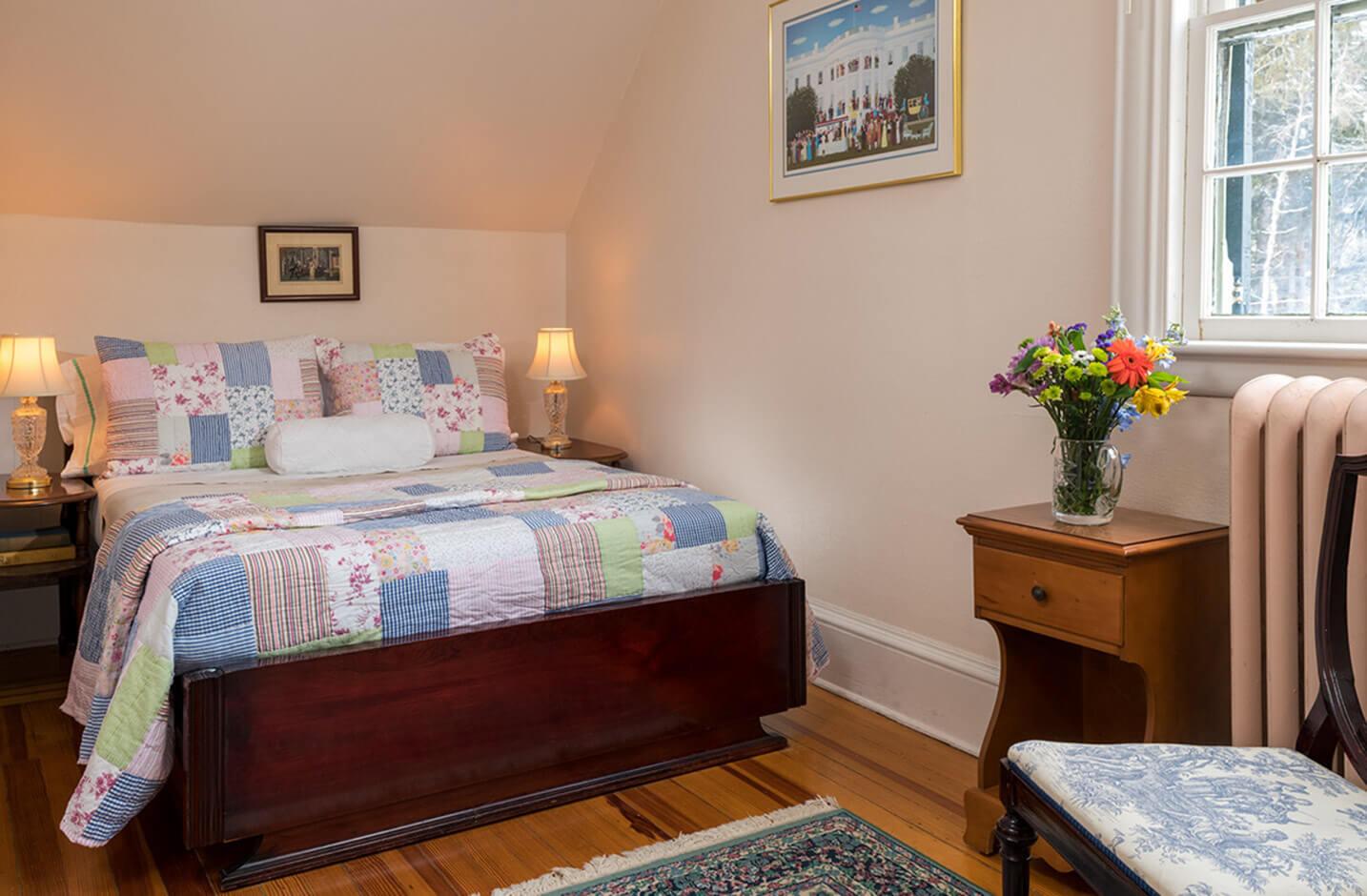 Bed and Breakfast in Watkins Glen, NY - Room 3 bed