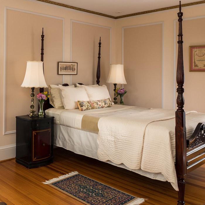 Seneca Lake B&B - Room 7 bed