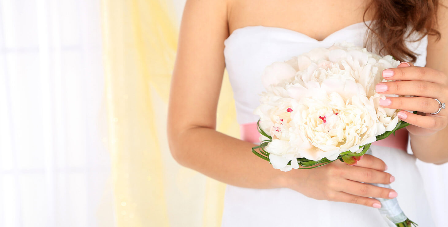 Finger Lakes Wedding Venue - Bridesmaid holding bouquet