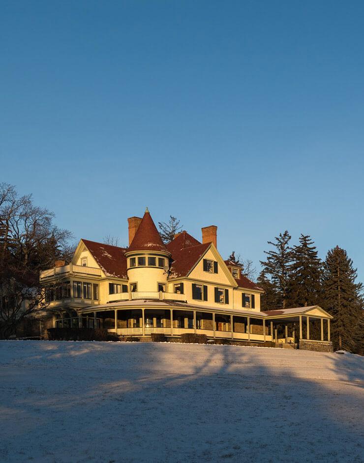 Idlwilde Inn Winter Exterior